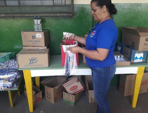 Lebensmittelpakete an die Familien der Kinder im Pestalozzi-Zentrum